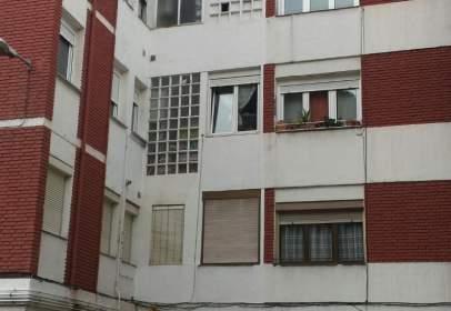 Flat in calle Barrio San Martin, nº 6